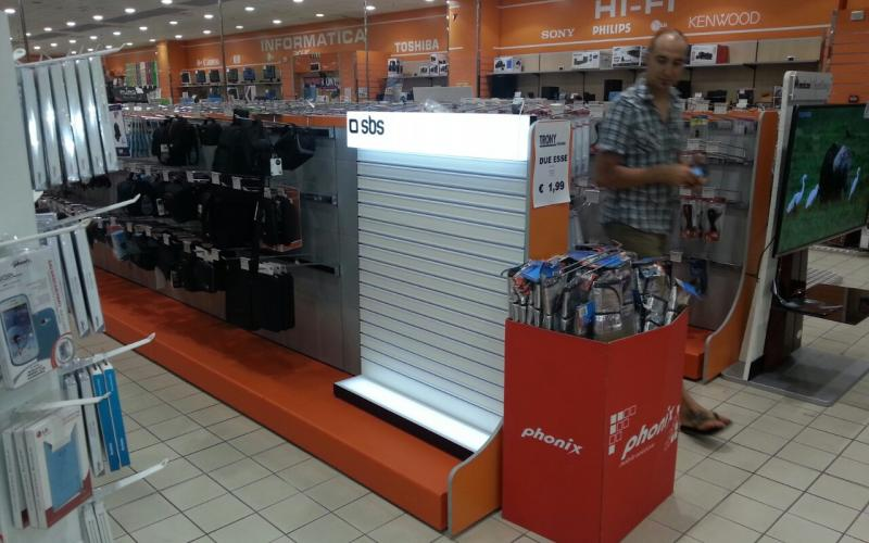 Фирмени дисплеи SBS - Италия Ес Джи Груп ЕООД Оборудване за търговски обекти и складове
